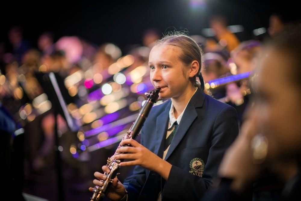 Flinders-music-girl-in-band