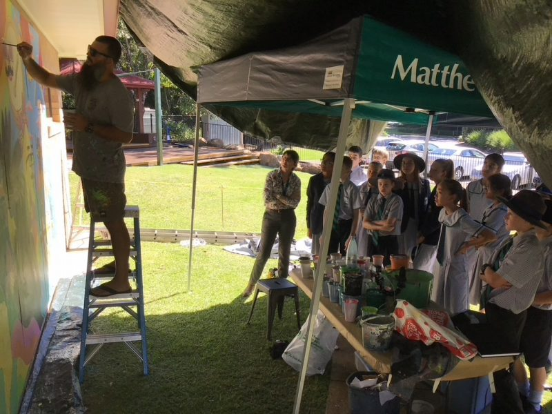 Flinders Primary art with Mulga the artist